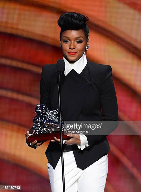 Musician Janelle Monae accepts the Video of the Award for QUEEN onstage at the Soul Train Awards 2013 at the Orleans Arena on November 8 2013 in Las...