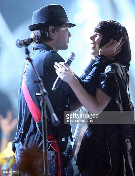 Musician Jared Leto from 30 Seconds to Mars and singer Ely Guerra perform during the Los Premios MTV Latin America 2007 at the Palacio de los...
