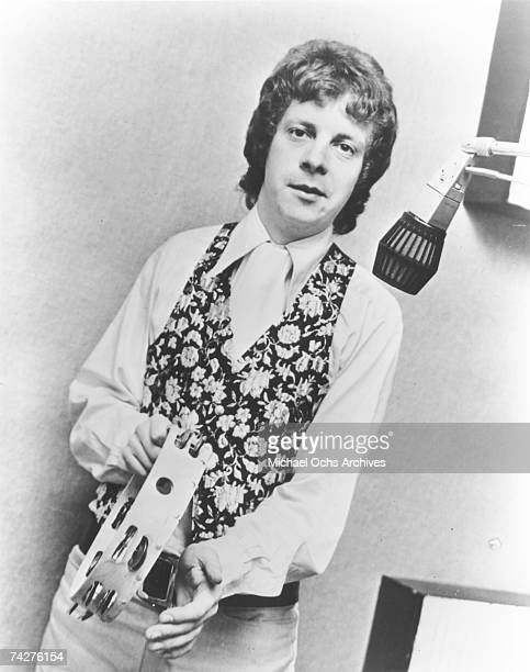 """Musician Jeff Lynne of the rock band """"The Idle Race"""" records in the studio in circa 1966."""