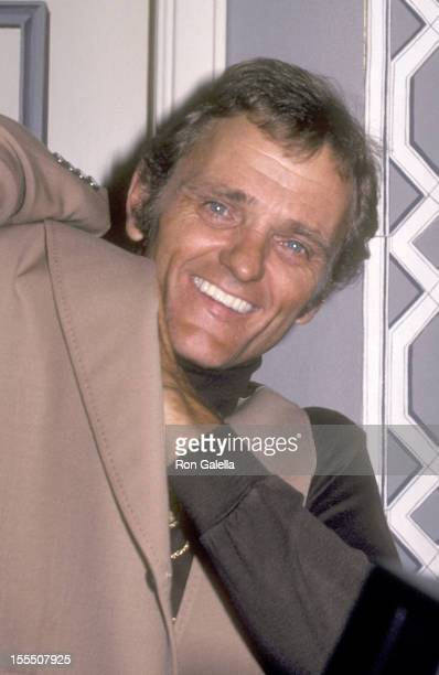 Musician Jerry Reed attends the Friars Club ceremony naming Burt Reynolds as Entertainer of the Year on May 16, 1981 at the Waldorf-Astoria Hotel in...