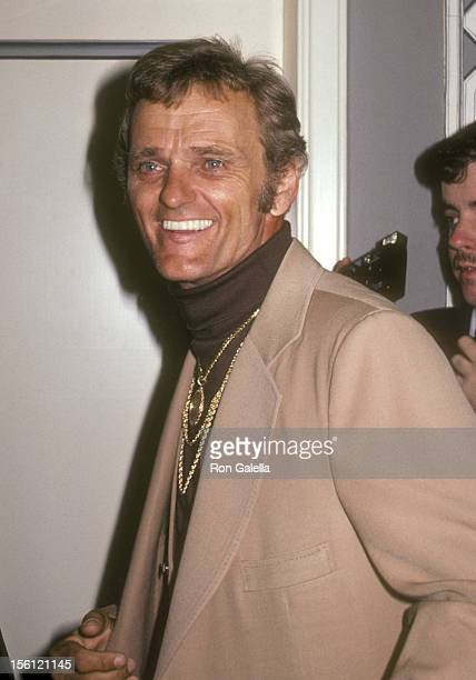 Musician Jerry Reed attends the Friars Club ceremony naming Burt Reynolds as 'Entertainer of the Year' on May 16, 1981 at the Waldorf-Astoria Hotel...