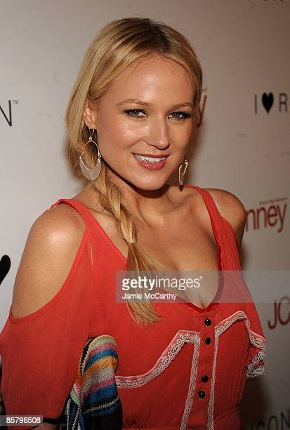 Musician Jewel arrives at the I Heart Ronson launch party presented by Charlotte Ronson and JCPenney held at Bar Marmont on April 3 2009 in Los...