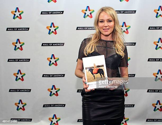 Jewel Kilcher Stock Photos And Pictures Getty Images