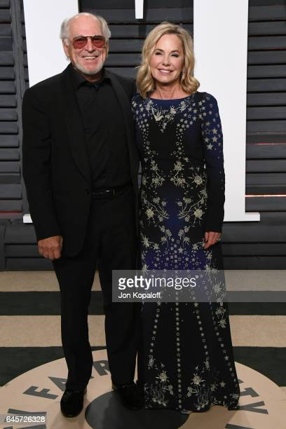 Musician Jimmy Buffet and Jane Slagsvol attend the 2017 Vanity Fair Oscar Party hosted by Graydon Carter at Wallis Annenberg Center for the...