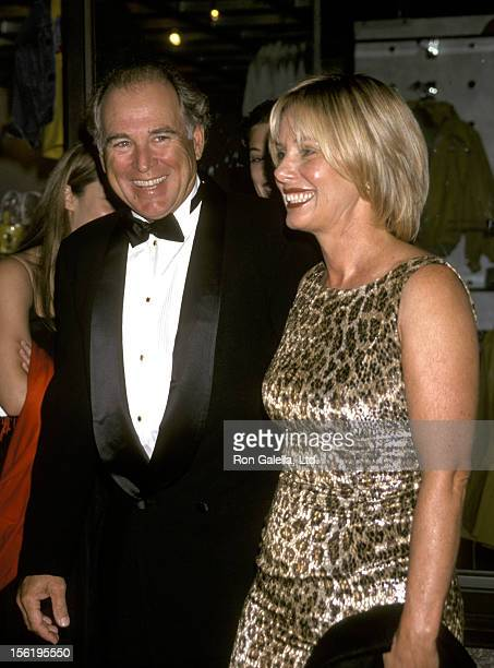 Musician Jimmy Buffett and Jane Slagsvol attend 25th Anniversary of 'Saturday Night Live' on September 26 1999 at NBC TV Studios in New York City
