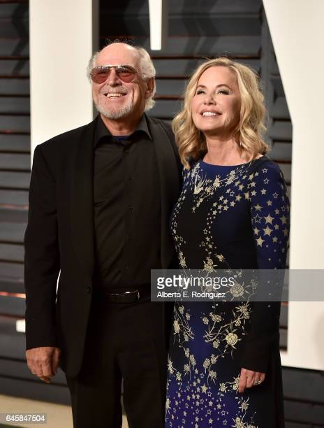 Musician Jimmy Buffett and Jane Slagsvol attend the 2017 Vanity Fair Oscar Party hosted by Graydon Carter at Wallis Annenberg Center for the...