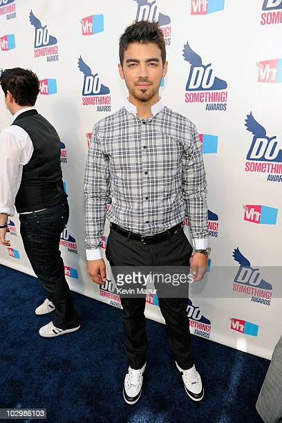 Musician Joe Jonas arrives at the 2010 VH1 Do Something! Awards held at the Hollywood Palladium on July 19, 2010 in Hollywood, California.