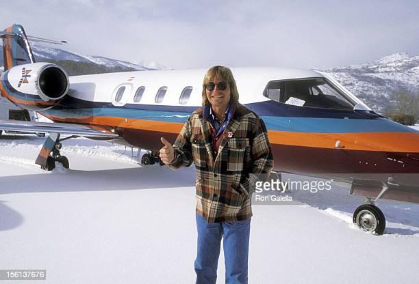Musician John Denver on December 21 1977 arrives at the Aspen/Pitkin County Airport in Aspen Colorado