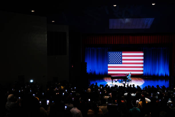 SC: Presidential Candidate Elizabeth Warren Campaigns In South Carolina Ahead Of Primary
