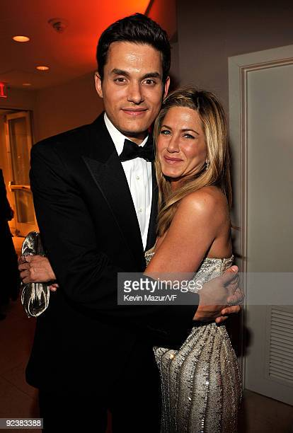 Musician John Mayer and actress Jennifer Aniston attends the 2009 Vanity Fair Oscar party hosted by Graydon Carter at the Sunset Tower Hotel on...