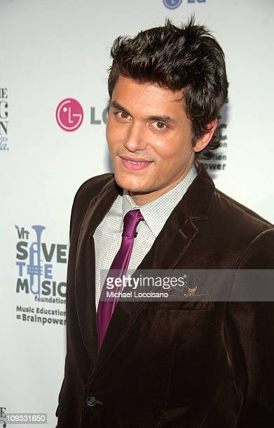 Musician John Mayer arrives at VH1's Save The Music 10th Anniversary Gala at The Tent at Lincoln Center on September 20 2007 in New York City