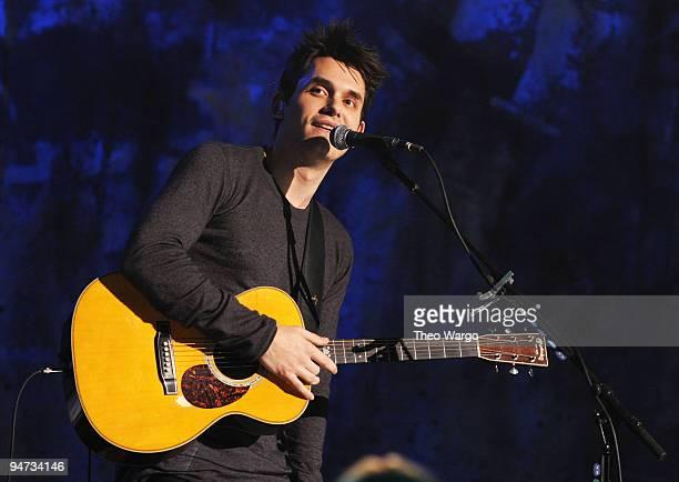 Musician John Mayer performs during Vh1 Storytellers at Steiner Studios on December 10, 2009 in New York City.