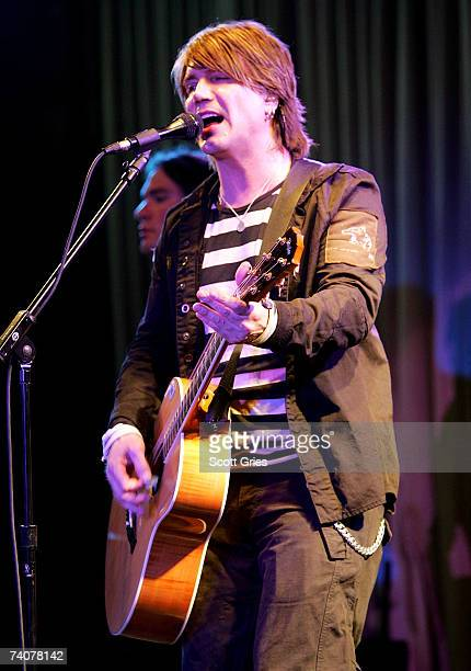 Musician Johnny Reznik performs at the ASCAP / Tribeca Music Lounge at the 2007 Tribeca Film Festival on May 4 2007 in New York City