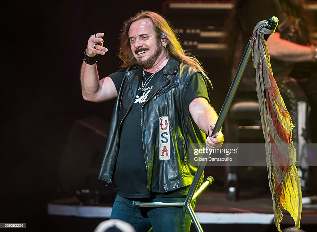 Lynyrd Skynyrd & Peter Frampton In Concert - Philadelphia, PA