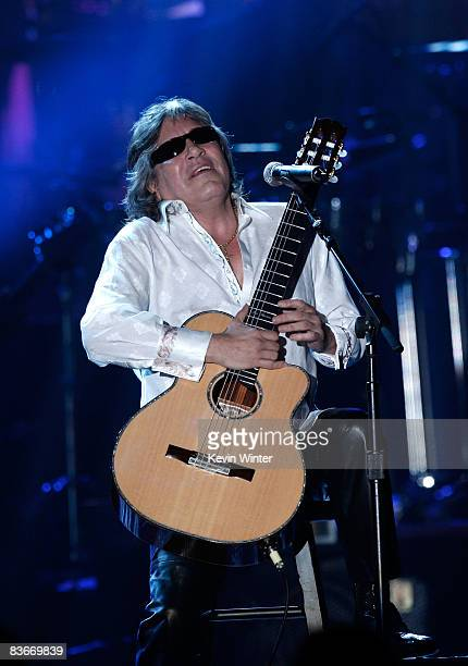 Musician Jose Feliciano performs onstage during the 2008 Latin Recording Academy Person of the Year awards tribute to Gloria Estefan held at the...