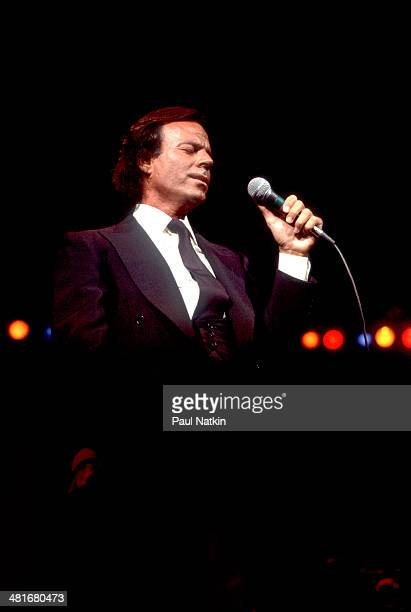 Musician Julio Iglesias performs onstage Chicago Illinois August 23 1984