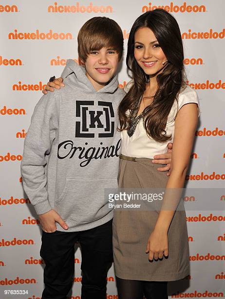 Musician Justin Bieber and actress Victoria Justice attend the 2010 Nickelodeon Upfront Presentation at Hammerstein Ballroom on March 11 2010 in New...