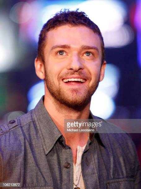 """Musician Justin Timberlake speaks during MTV's TRL """"Total Finale Live"""" at the MTV Studios in Times Square on November 16, 2008 in New York City."""