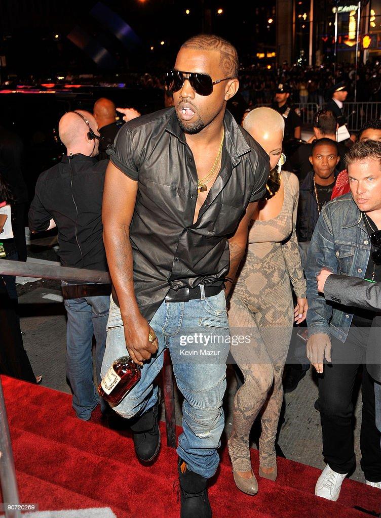 2009 MTV Video Music Awards - Red Carpet : News Photo