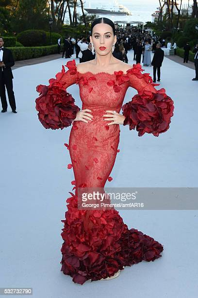 Musician Katy Perry attends the amfAR's 23rd Cinema Against AIDS Gala at Hotel du CapEdenRoc on May 19 2016 in Cap d'Antibes France