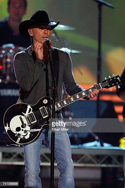 Musician Kenny Chesney performs onstage during the 42nd Annual Academy Of Country Music Awards held at the MGM Grand Garden Arena on May 15 2007 in...