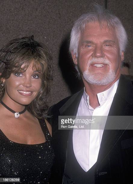 Musician Kenny Rogers and wife Wanda Miller attend Michael Jackson's 30th Anniversary Celebration on September 7 2001 at Madison Square Garden in New...