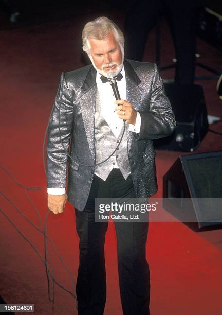 Musician Kenny Rogers attends The RP Foundation Fighting Blindness Humanitarian Award Dinner Honoring Frank Bennack Jr on April 19 1988 at The Grand...