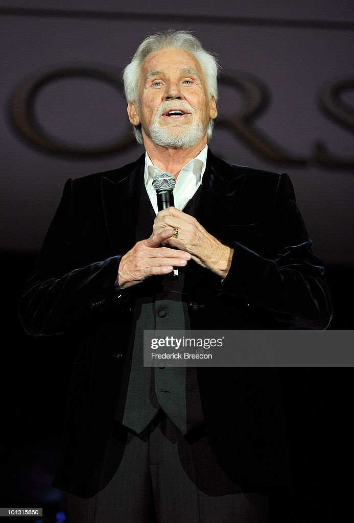 Musician Kenny Rogers performs during the 4th Annual ACM Honors at the Ryman Auditorium on September 20, 2010 in Nashville, Tennessee.