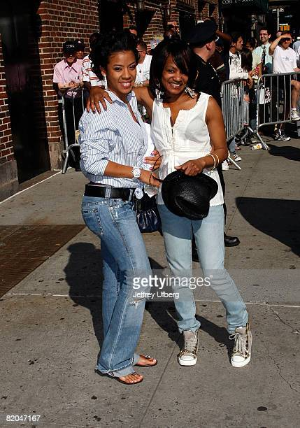 Musician Keyshia Cole and Mom Frankie Lons visit the 'Late Show with David Letterman' on June 19 2008 at the Ed Sullivan Theatre in New York