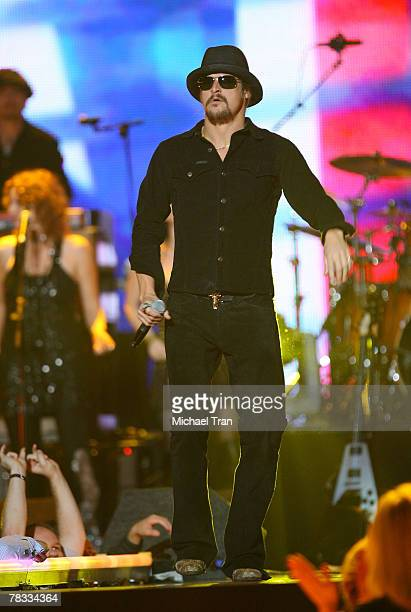Musician Kid Rock performs at Spike TV's 2007 'Video Game Awards' at the Mandalay Bay Events Center on December 7 2007 in Las Vegas Nevada