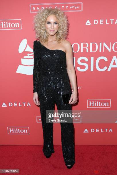Musician Kimberly Schlapman of Little Big Town attends MusiCares Person of the Year honoring Fleetwood Mac at Radio City Music Hall on January 26...