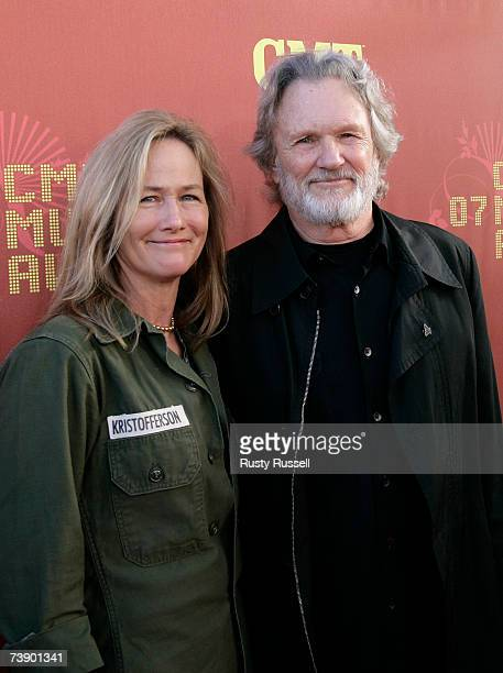Musician Kris Kristofferson and wife Lisa Meyers arrive at the 2007 CMT Music Awards at the Curb Event Center at Belmont University April 16 2007 in...