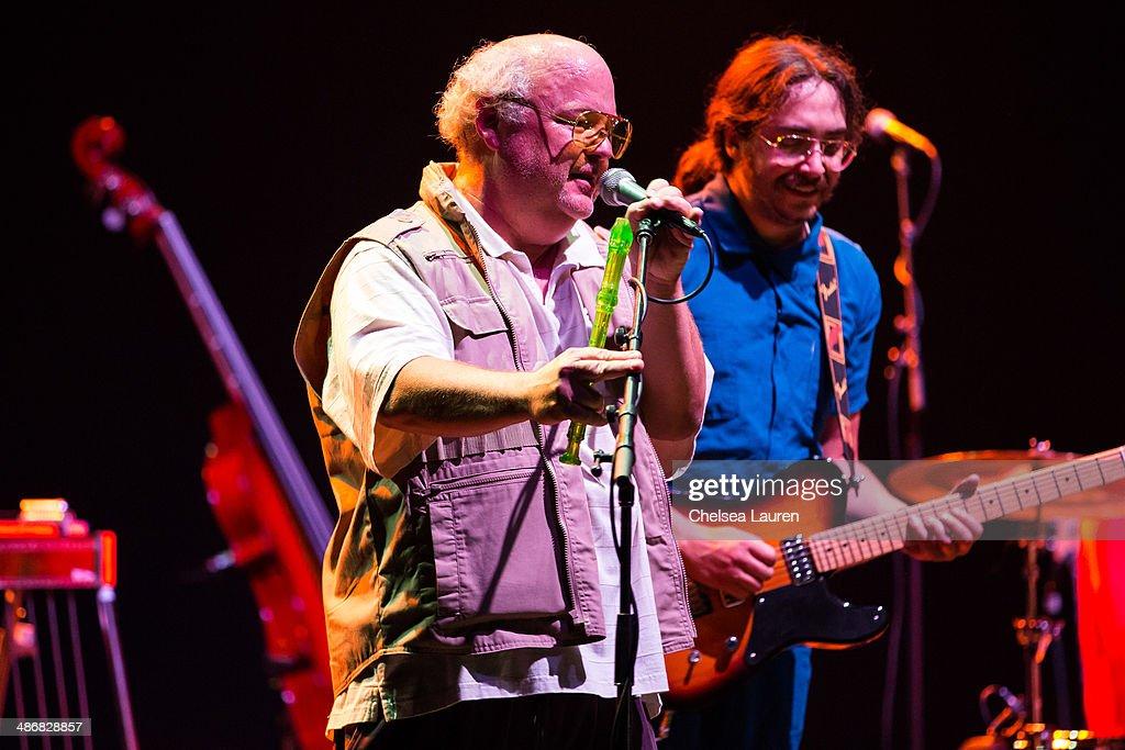 Jeff Bridges & The Abiders Perform At Lebowski Fest Los Angeles : News Photo