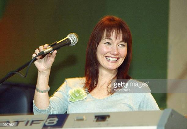 Musician Lari White performs during the tenth anniversary of The TJ Martell Foundation's 'Country In The Rockies' on January 27 2004 at Club Med in...