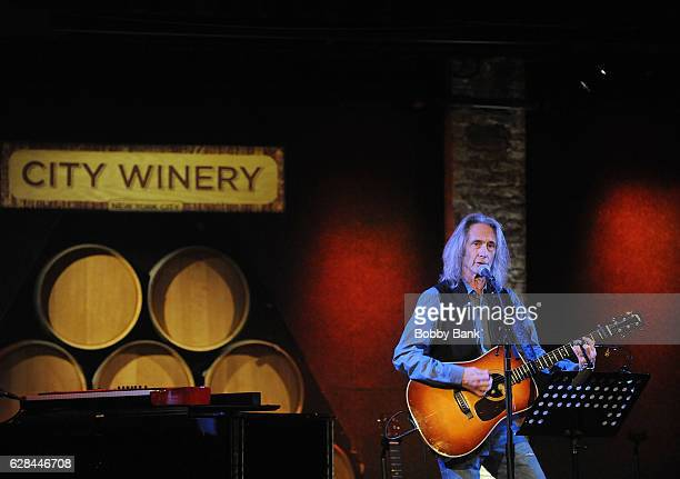 Musician Lenny Kaye performs at the Stories of the Street Celebrating the Life Music of Leonard Cohen at City Winery on December 7 2016 in New York...