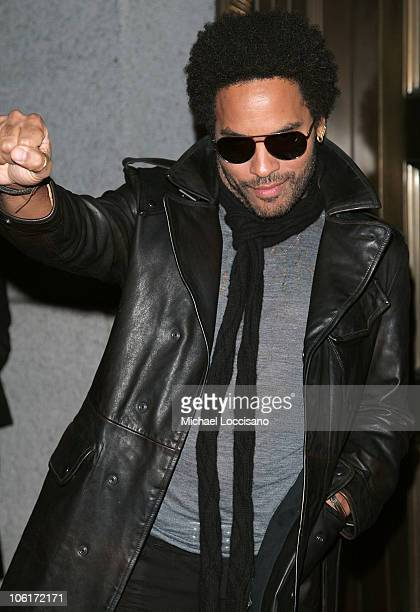 Musician Lenny Kravitz arrives at the Cipriani Wall Street Concert Series featuring Lenny Kravitz at Cipriani Wall Street on October 30, 2007 in New...