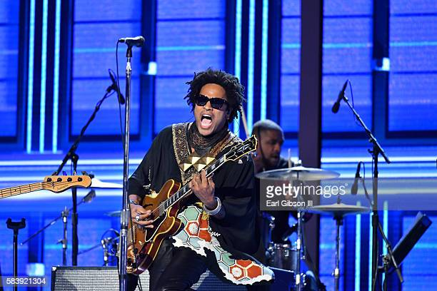 Musician Lenny Kravitz performs at the 2016 Democratic National Convention-Day 3 at Wells Fargo Center on July 27, 2016 in Philadelphia, Pennsylvania.