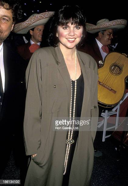 Musician Linda Ronstadt attends the Third Annual Commitment to Life Gala to Benefit AIDS Project Los Angeles on November 1 1987 at Wiltern Theatre in...