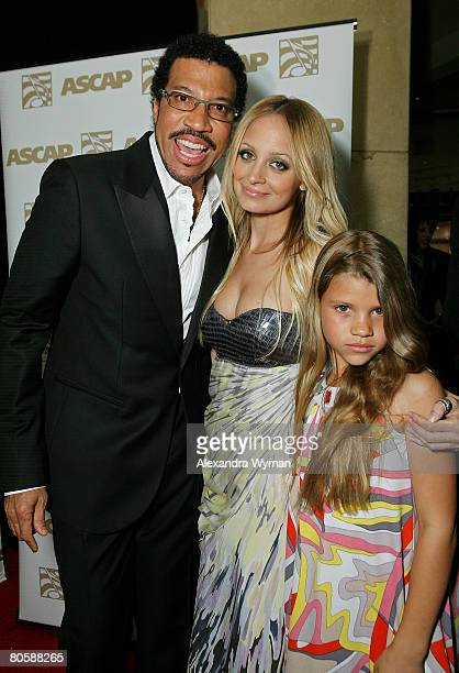 Musician Lionel Richie and daughters Nicole Richie and Sophia Richie pose during the 2008 ASCAP Pop Awards at the Kodak Theatre on April 9 2008 in...