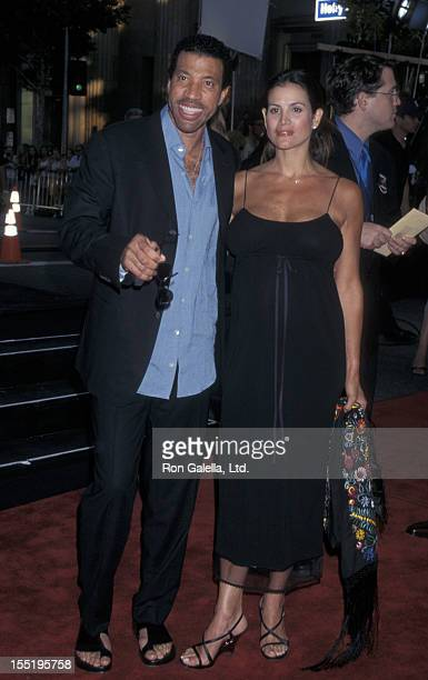 Musician Lionel Richie and Diane Alexander attend the premiere of Lethal Weapon 4 on July 7 1998 at Mann Chinese Theater in Hollywood California