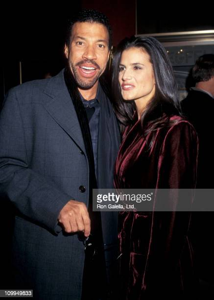 """Musician Lionel Richie and Diane Alexander attend the premiere of """"The Preacher's Wife"""" on December 9, 1996 at the Ziegfeld Theater in New York City."""
