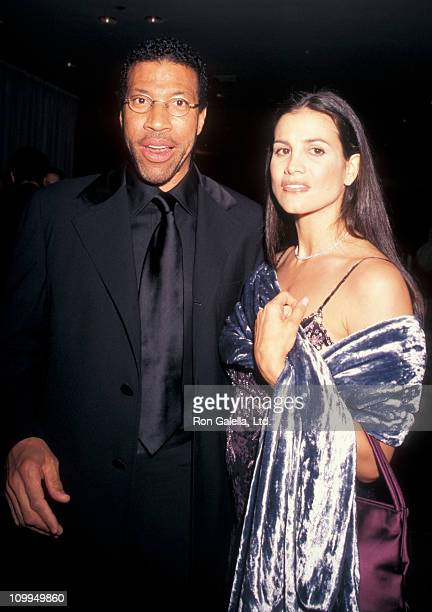 Musician Lionel Richie and Diane Alexander attend TJ Martel Foundation Gala Honoring Jim Caparro on May 7 1998 at the New York Hilton Hotel in New...