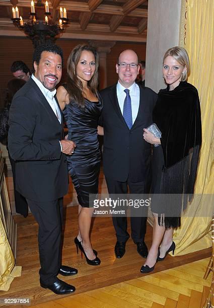 Musician Lionel Richie Sarah Schnare HSH Prince Albert of Monaco and Charlene Wittstock on October 22 2009 in Beverly Hills California Prince Albert...