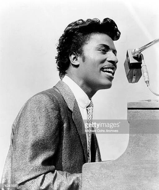 Musician Little Richard performs onsatge in circa 1957.