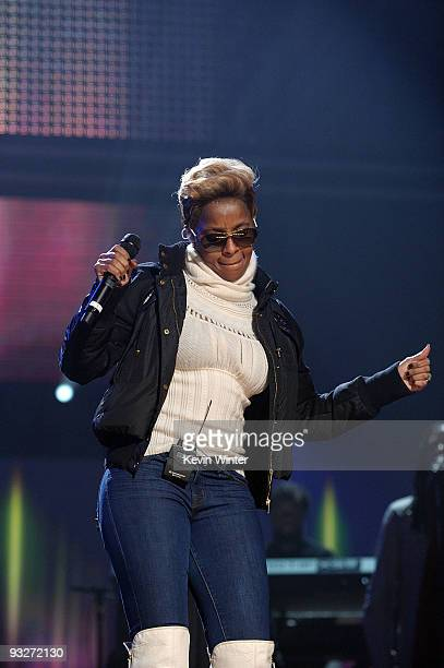 Musician Mary J Blige performs onstage during the 2009 American Music Awards rehearsals held at Nokia Theatre LA Live on November 20 2009 in Los...