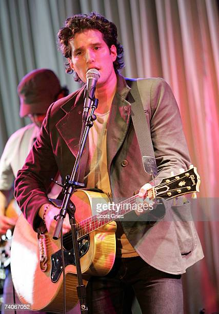 Musician Matt White performs onstage at the ASCAP Tribeca Music Lounge held at the Canal Room during the 2007 Tribeca Film Festival on May 3, 2007 in...
