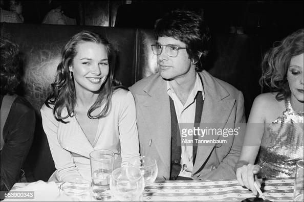 Musician Michelle Phillips And Actor Warren Beatty Attend The Opening News Photo -5994