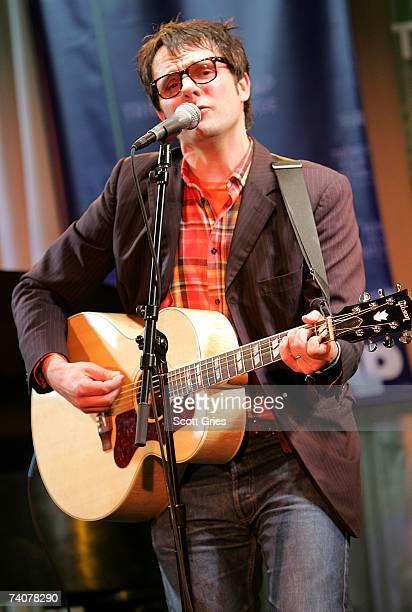 Musician Mike Viola performs onstage at the ASCAP / Tribeca Music Lounge at The 2007 Tribeca Film Festival on May 4 2007 in New York City