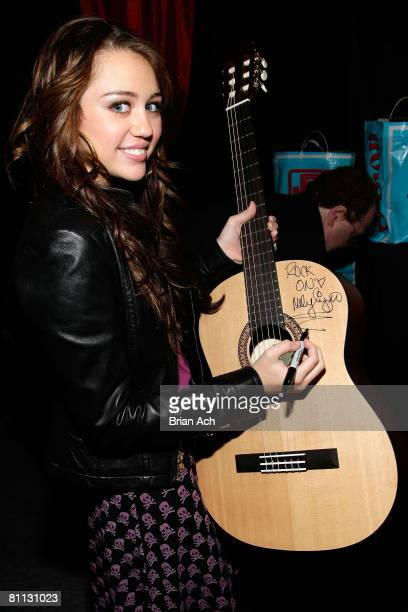 EAST RUTHERFORD NJ MAY 17 EXCLUSIVE COVERAGE Musician Miley Cyrus at the Z100 Zootopia 2008 IZOD Fragrance Gift Lounge produced by On 3 Productions...
