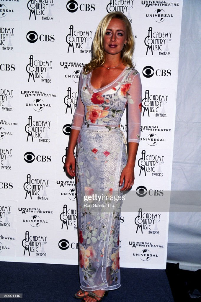 Musician Mindy McCready attends the 33rd Annual Academy of Country Music Awards on April 22, 1998 at Universal Amphitheatre in Universal City, California.